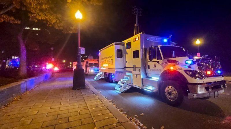 کشته شدن دو نفر در کانادا در حمله با شمشیر ژاپنی و لباس قرون وسطی  کشته شدن دو کانادایی با شمشیر سامورائی در کبک